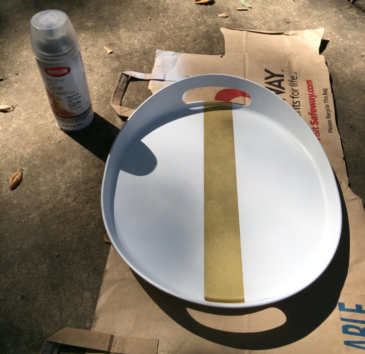 Final step: add a layer of clear glaze to make the surface more durable.
